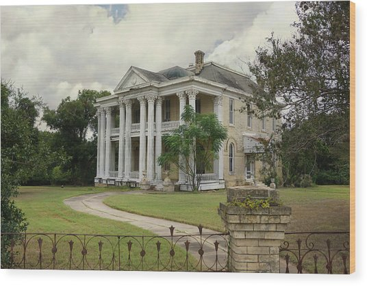 Texas Mansion In Ruin Wood Print