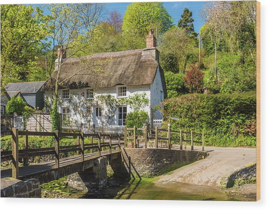 Thatched Cottage In Helford, Cornwall Wood Print by David Ross