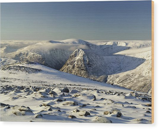 The Cairngorms In Winter Wood Print by Duncan Shaw