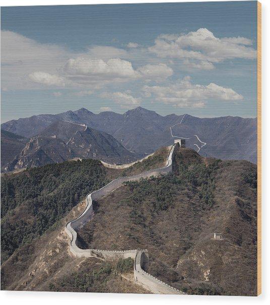 The Great Wall At Badaling, Beijing Wood Print by Ed Freeman