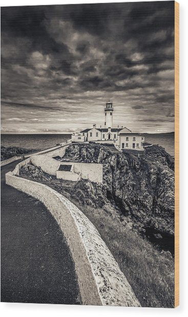 The Path To Fanad Head Lighthouse Wood Print