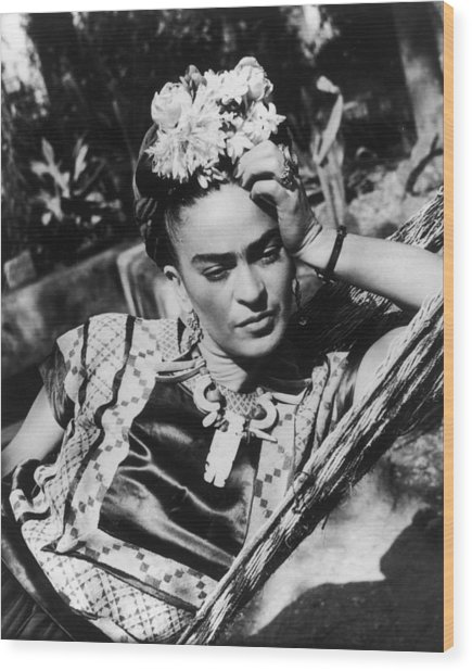 Thoughtful Frida Wood Print by Hulton Archive
