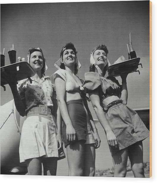 Three Smiling Waitresses Holding Trays Wood Print
