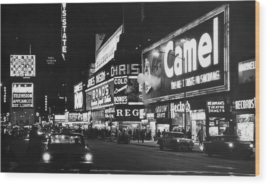 Times Square At Night Wood Print by Fred W. McDarrah