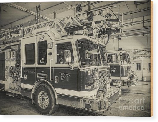 Truck And Engine 211 Wood Print
