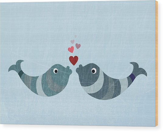 Two Fish Kissing Wood Print by Fstop Images - Jutta Kuss