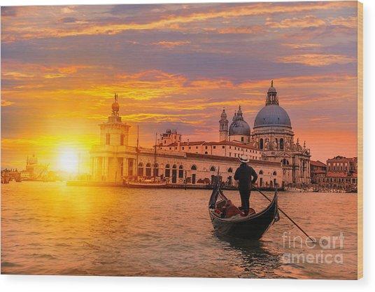 Venetian Gondolier Punting Gondola Wood Print