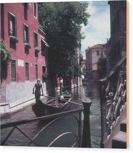 Venice Gondoliers Wood Print