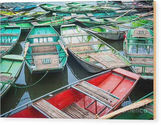Vietnamese Boats On The River Early In Wood Print