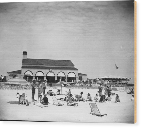 View Of Southampton Beach Club With Wood Print