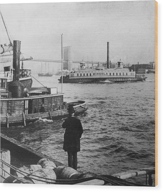 Watching Boats Wood Print by Hulton Archive