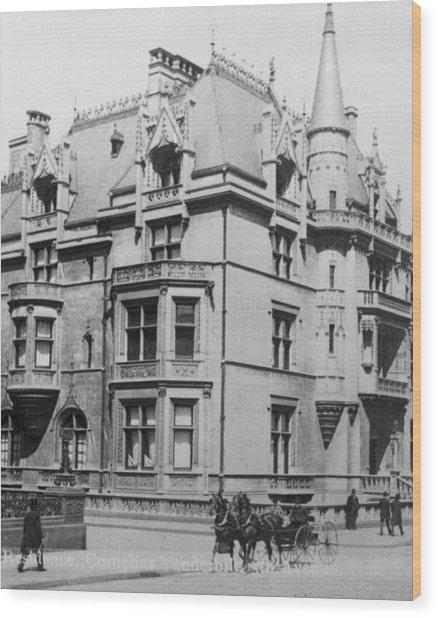 William K. Vanderbilt House Wood Print by Archive Photos