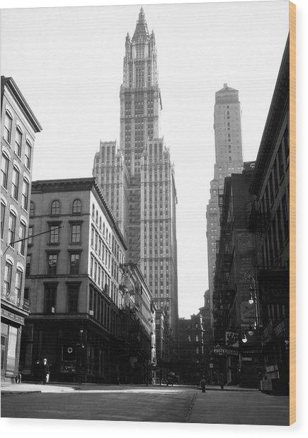 Woolworth Building, New York City, New Wood Print by Jupiterimages