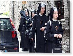 Acrylic Print featuring the photograph Assisi -8 by Theresa Ramos-DuVon