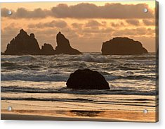Sea Stacks On The Beach At Bandon Acrylic Print by William Sutton