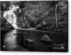 Spectacle E'e Waterfall Acrylic Print by John Farnan