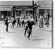 1965 Watts Riot Looting Acrylic Print by Underwood Archives