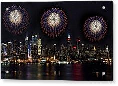 New York City Celebrates The 4th Acrylic Print by Susan Candelario