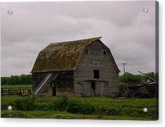 A Barn In Northern Montana Acrylic Print by Jeff Swan