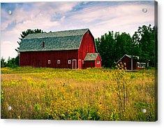 A Door County Barn Acrylic Print by Chuck De La Rosa