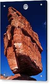 Balanced Rock At Garden Of The Gods With Moon Acrylic Print by John Hoffman
