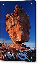 Balanced Rock At Garden Of The Gods With Snow Acrylic Print by John Hoffman