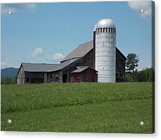 Barn And Silo In Vermont Acrylic Print by Catherine Gagne