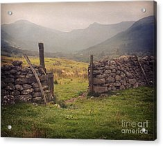 Acrylic Print featuring the photograph Ben Nevis Mountian Range by Roy  McPeak