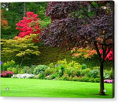 Butchart Gardens Lawn And Tree Acrylic Print