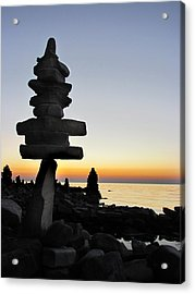 Cairns At Sunset At Door Bluff Headlands Acrylic Print by David T Wilkinson