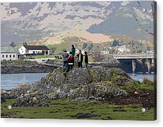 Cartoon - Tourists Trying To Get A Vantage View Of The Eilean Doonan Castle In Scotland Acrylic Print