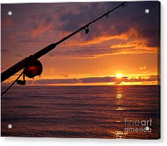 Catching A Last Glimpse Of The Sunset. Acrylic Print by Sylvie Heasman