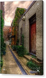 Acrylic Print featuring the photograph Coggin's Alley Way by Maddalena McDonald