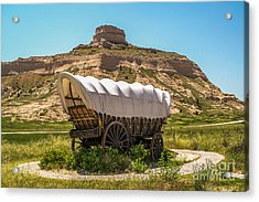 Acrylic Print featuring the photograph Covered Wagon At Scotts Bluff National Monument by Sue Smith