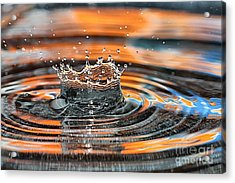 Acrylic Print featuring the photograph Crown Shaped Water Drop Macro by Teresa Zieba