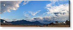Acrylic Print featuring the photograph Dusk Over The Gallatin Range by Charles Kozierok