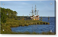 Acrylic Print featuring the photograph Elizabeth II In Port  by Greg Reed