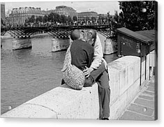 Acrylic Print featuring the photograph Embrace-paris by Dave Beckerman