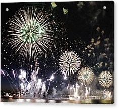 Acrylic Print featuring the photograph Fireworks Over The Hudson River by Lilliana Mendez