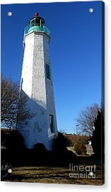 Fort Monroe Lighthouse Acrylic Print by Lesley Giles