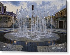 Fountain Of Plaza Del Quinto Centenario Acrylic Print by George Oze