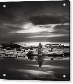 Acrylic Print featuring the photograph Glacier Lagoon by Frodi Brinks