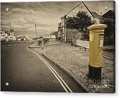 Golden Post  Acrylic Print by Rob Hawkins