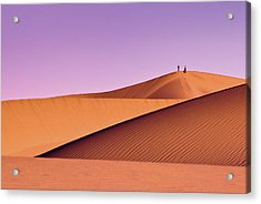 Hikers At Mesquite Flat Sand Dunes Acrylic Print