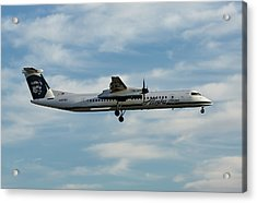 Horizon Airlines Q-400 Approach Acrylic Print