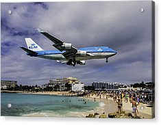 K L M Landing At St. Maarten Acrylic Print by David Gleeson