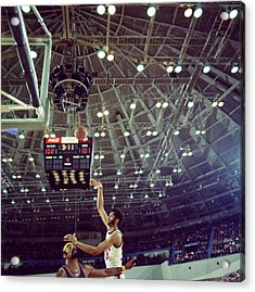 Kareem Abdul Jabbar Shooting Quick Acrylic Print by Retro Images Archive
