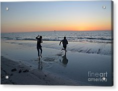 Acrylic Print featuring the photograph Kids At The Beach by Robert Meanor