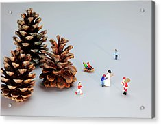 Kids Merry Christmas By Pinecones Acrylic Print by Paul Ge