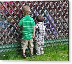 Acrylic Print featuring the photograph Kurious Kids by Greg Graham